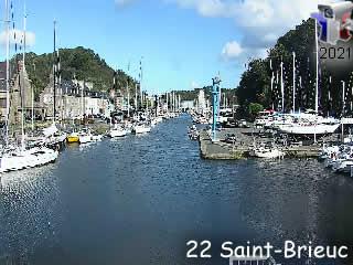 Webcam Saint-Brieuc - balayage sur le port - via france-webcams.com
