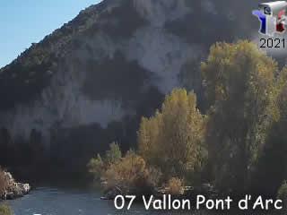 Webcam sur l'Ardèche à l'entrée des Gorges de l'Ardèche - Vallon Tourisme - via france-webcams.com